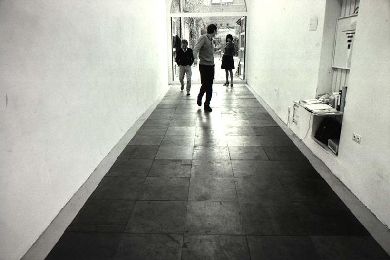 Carl-Andre_gallery-opening.jpg